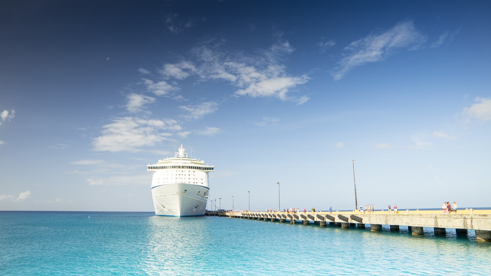cruise-ship-1218305_1920